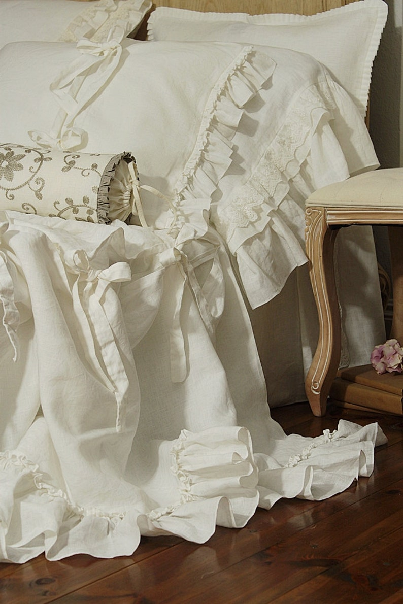 Pure Linen duvet cover 'Diane' with ruffles and ties  image 0