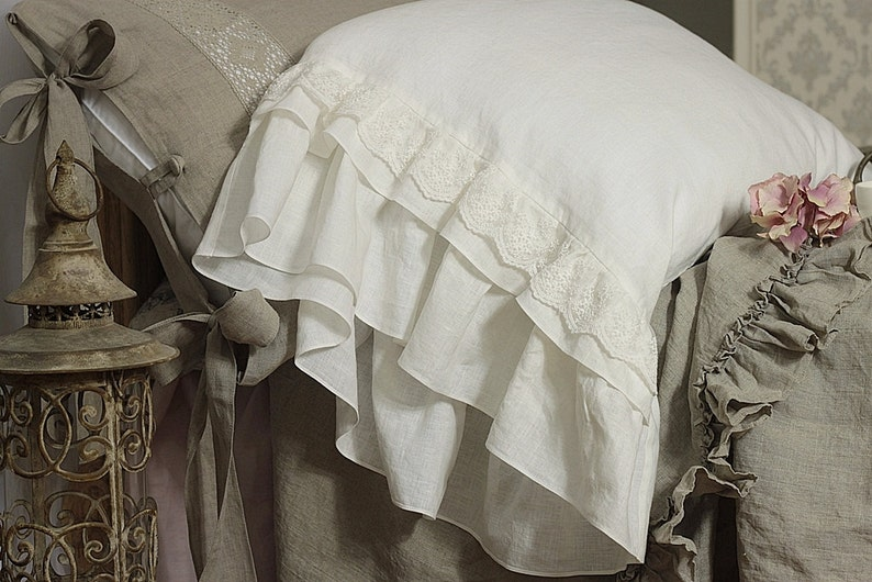 Linen pillowcase 'Grace' with extra long ruffles and image 0