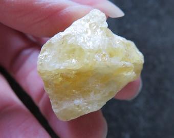 Lovely Yellow 'Sunshine' Danburite Natural Specimen (16.8 grams / 26 mm) (A9)  - FREE UK POSTAGE