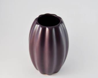 gallerymichel Flora Keramiek Hardenberg Holland Deep Plum Aubergine Ribbed Vase