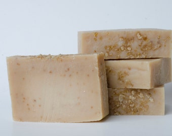 Goats Milk Soap, Unscented All Natural Cold Process Homemade Handcrafted Artisan Goatmilk Soap for Sensitive Skin with Organic Oatmeal
