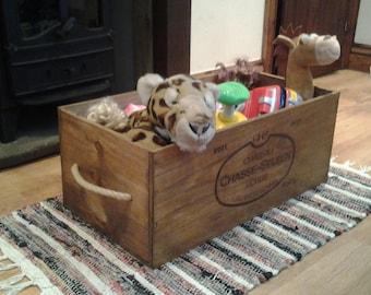champagne crate /storage box