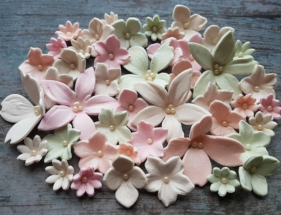 40 edible sugar fondant flowers lilies asian dogwood daisies petunia wedding cake toppers decorations pastel colours