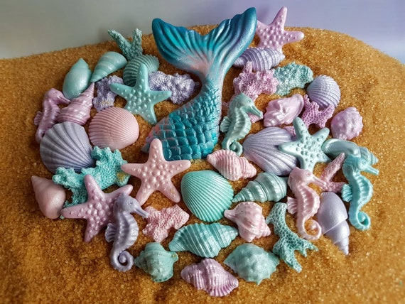 Edible sugar shells, fondant mermaid tail, sugar starfish, fondant starfish, fondant shell, gum paste shells, mermaid cake topper. SET of 40