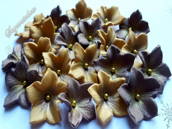 20 Edible Sugar Petunia Christmas flowers decorations cake cupcake toppers  Christmas Brown/gold AIRBRUSHED
