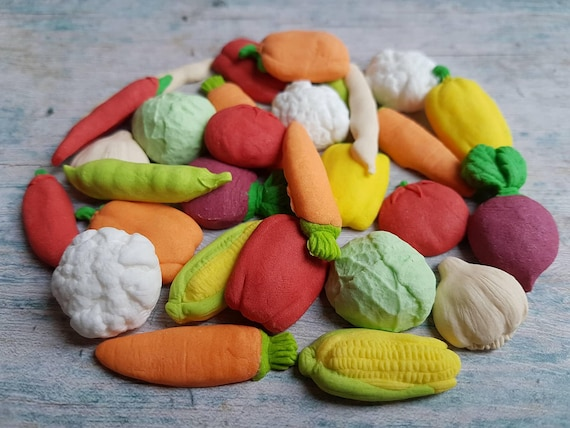 26 Edible sugar paste fondant vegetables cake cupcake toppers decorations carrots peas corns peppers