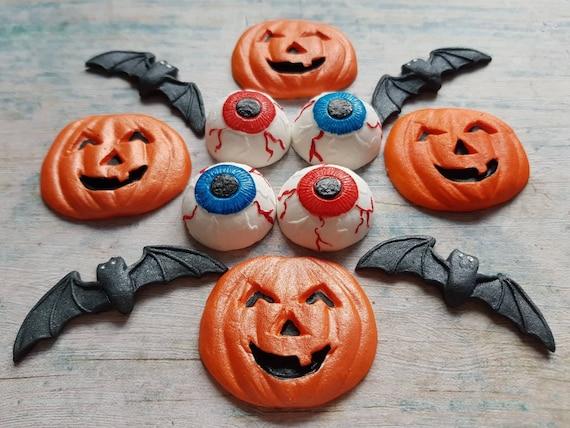 12 Edible sugar paste fondant Halloween cake decorations pumpkins eyeballs bats cupcake toppers