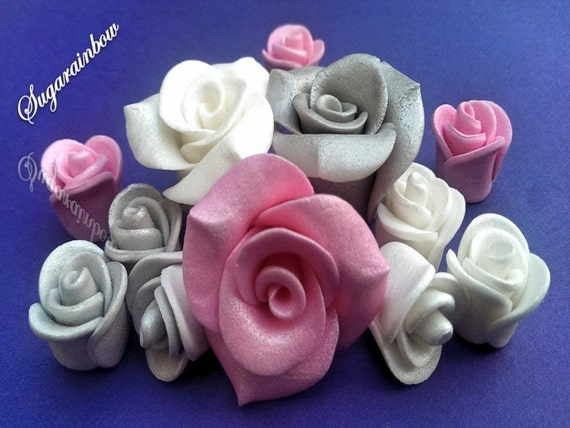 12 Edible sugar roses decorations  for cake cupcake toppers