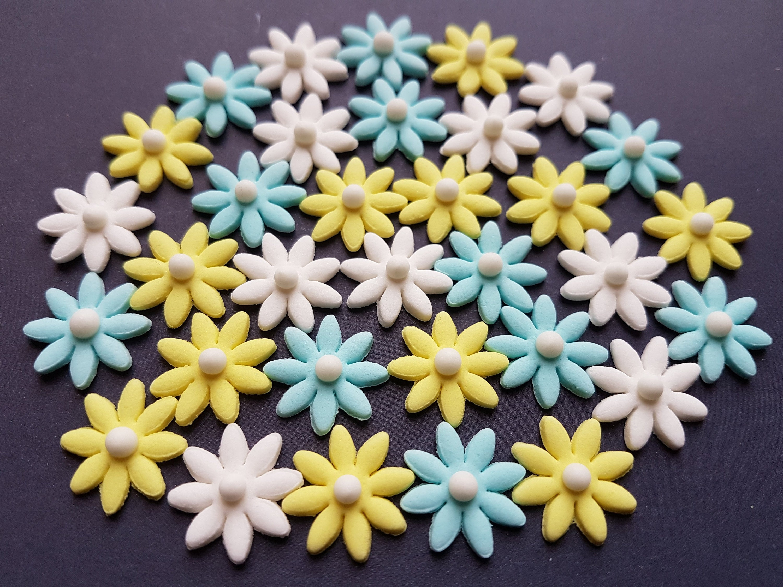 30 Edible Sugar Paste Fondant Flowers Daisies Cake Cupcake Toppers