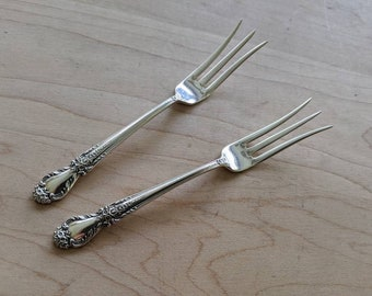 """Valencia by International Sterling Silver Cocktail Fork 3-tine 6 1//4/"""" Serving"""