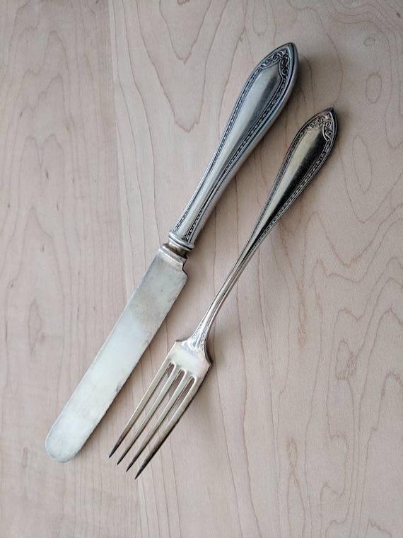 "Set of 4 Oneida Community French Blade /"" Lady Hamilton /""  Dinner Knives"