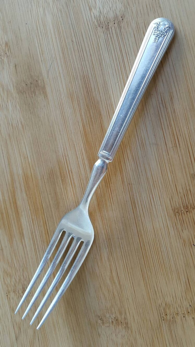 Antique Collectible Wm Rogers 1922 HOMESTEAD Solid Indented Dinner Fork 7 58
