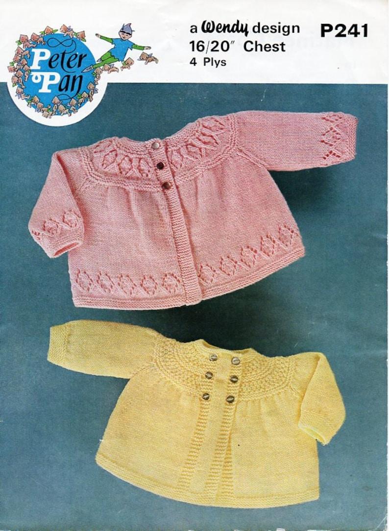 VINTAGE 1970/'S WENDY 4 PLY KNITTING CROCHET PATTERN BABIES MATINEE CARDIGAN  20