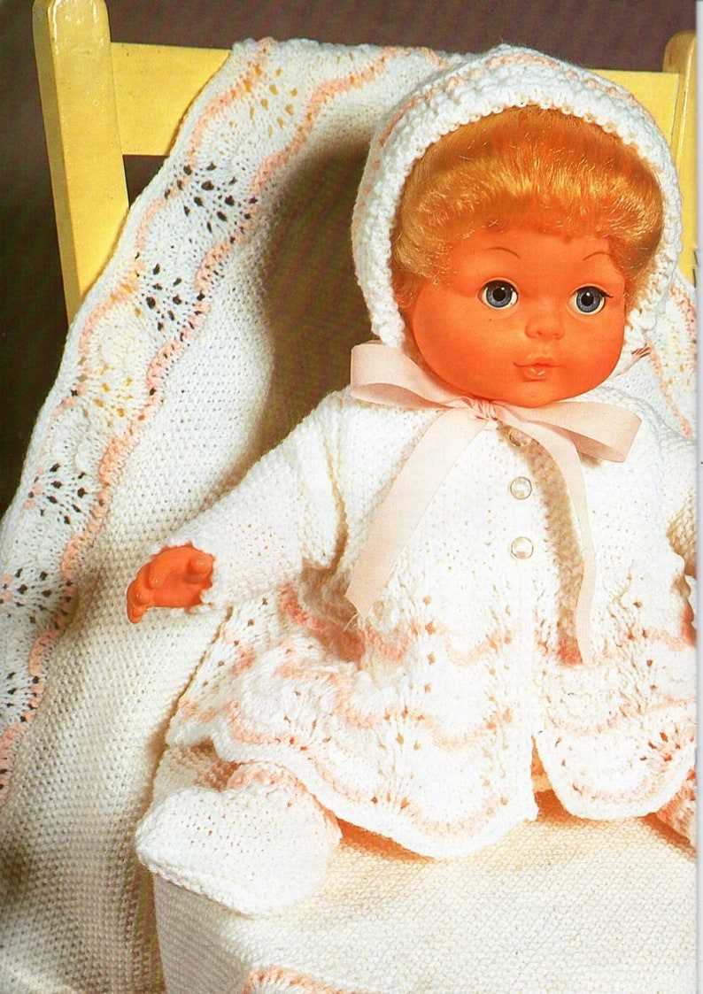 """BABY DOLLS CLOTHES 12-16/"""" KNITTING PATTERN LAYETTE /& BLANKET 4 ply"""