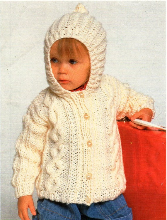 """KNITTING PATTERN BABY//CHILDREN/'S ARAN SWEATERS//JUMPERS SIZES 22/"""" 29/"""""""