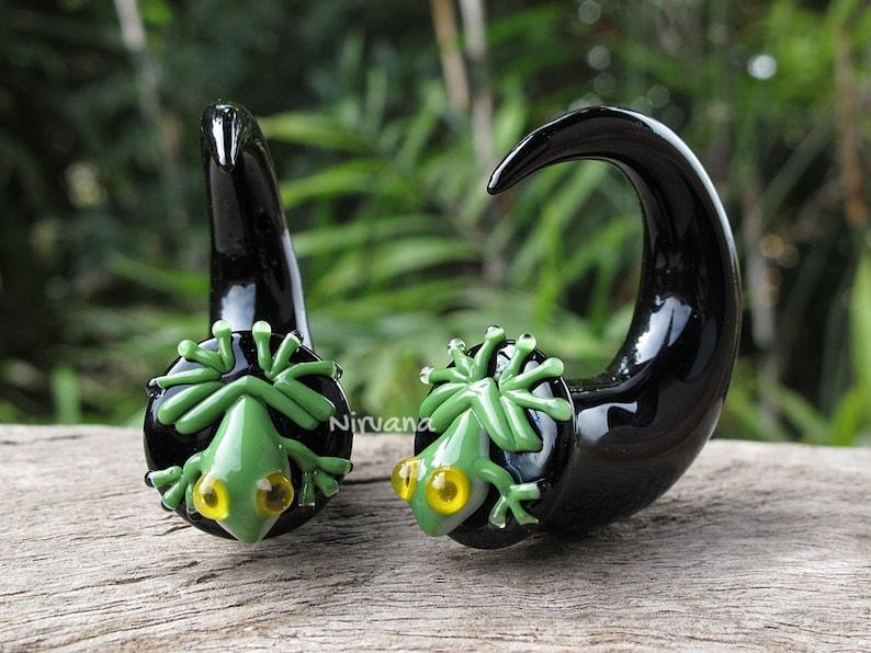 Australian Green Tree Frog Claws 10g 8g 6g 4g 2g 0g 00g 716 12 916 58 2.5 mm 3 mm 4 mm 5 mm 6 mm 8 mm 10 mm 16 mm