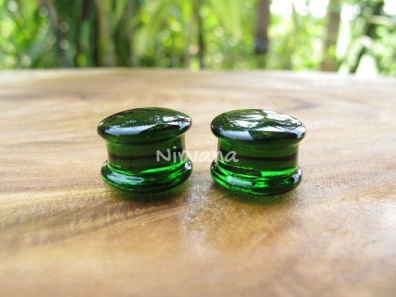 1 Pair 25 mm Any Solid Color Glass Plugs 14g 12g 10g 8g 6g 4g 2g 0g 00g 716 12 916 58-1 1.6 mm 2 mm 2.5 mm 3 mm 4mm 5 mm 6 mm