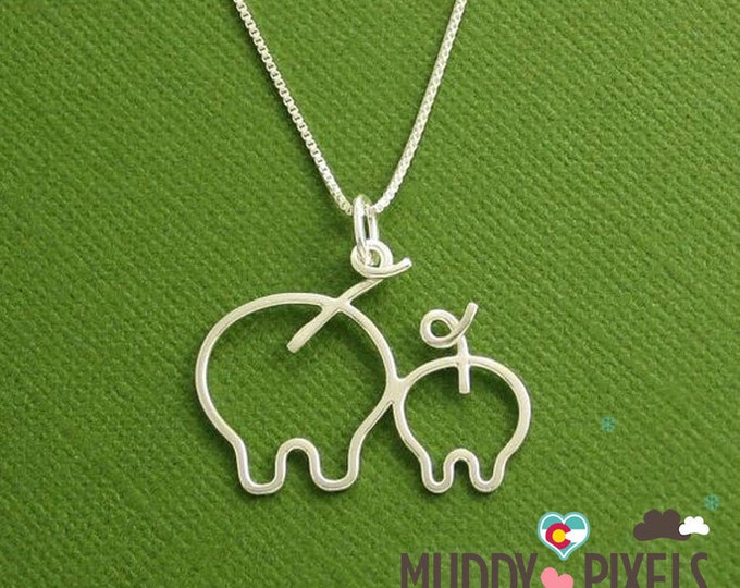 Cute and Kawaii Pig and Piglet Necklace!