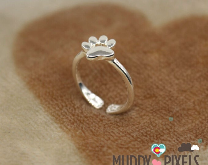 Cute and tiny Silver Semi Adjustable Paw Ring