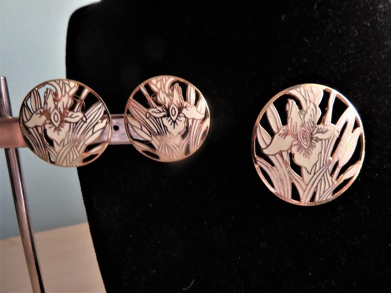 05b1e204947 Vintage Guilloche Enamel Iris Ivory Gold Round Pin Brooch Clip