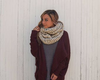 cream speckled textured chunky knit infinity scarf, oversized knitted wool cowl / Cornel / Oatmeal