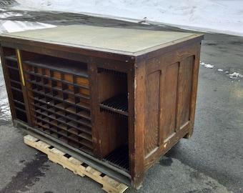 Hamilton Printer's Imposing Table