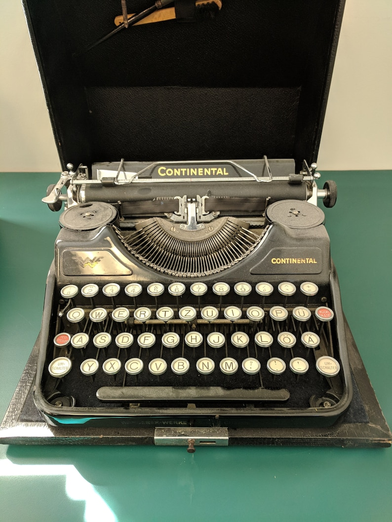 e91267376f96f RARE German 1937 Continental Portable Typewriter with Case