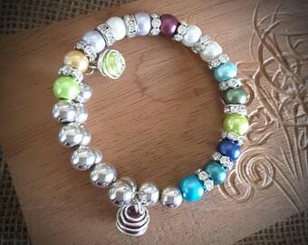 Personalized Mother's or Grandmother's Bracelet / Pearl Birthstone Bracelet