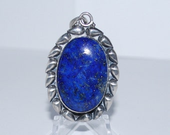 Lapis Lazuli Cabachon, set in Stering Silver Pendant