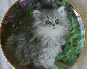 Gorgeous vintage Franklin MInt cat collectors plate of a cute kitten limited edition design by Nancy Matthews