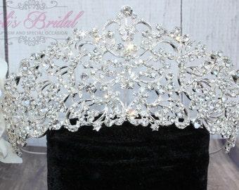 FAST SHIPPING!!! Swarovski Tiara, Quinceañera Tiara, Crystal Tiara, Wedding Tiara< Crown Wedding Headpiece, Bridal Tiara, Bridal Headpiece.