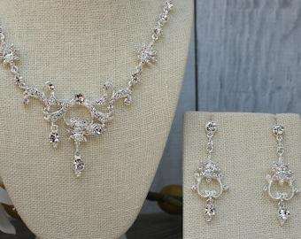FAST SHIPPING!! Beautiful Swarovski Crystals Jewelry Set, Bridal Set, Bridal Jewelry Set, Sweet 16 Jewelry Set, Bridesmaid Jewelry Set