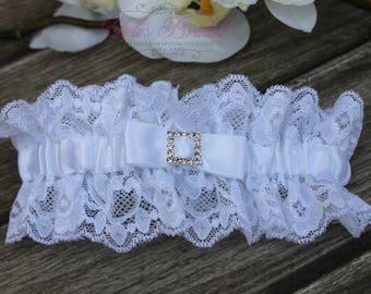 Beautiful White Wedding Garter bcfa214e9da2