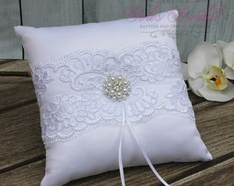 FAST SHIPPING!! Romantic Ring Pillow, White Ring Pillow, Vintage Ring Pillow, Ring Bearer Pillow, Shabby Chic Ring Pillow, Lace Ring Pillow