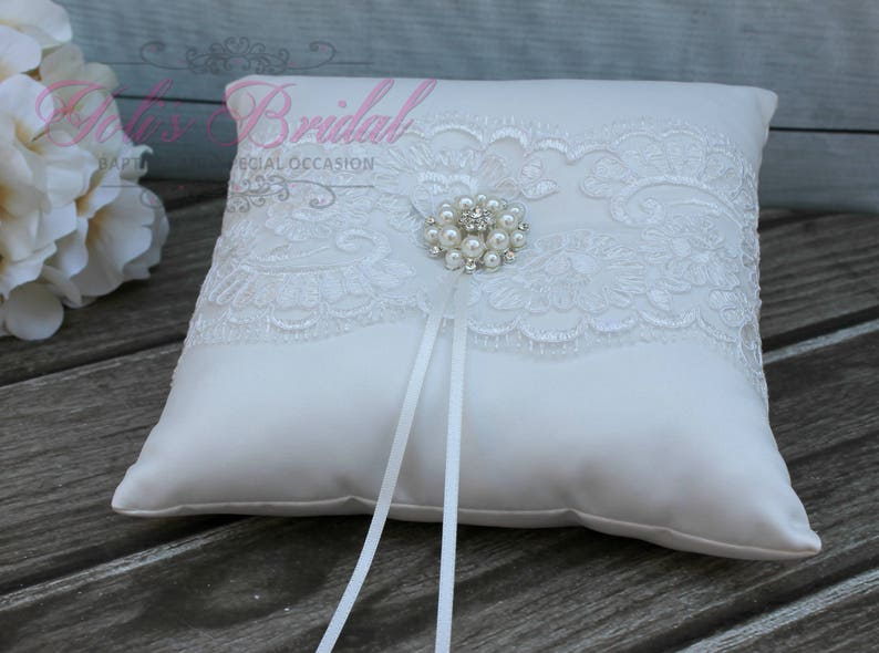 FAST SHIPPING Ring Pillow Ivory Ring Pillow Off White Ring image 0