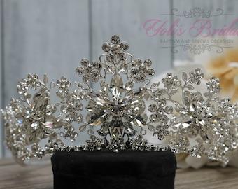 FAST Shipping!!!  Silver Swarovski Tiara,  CristalTiara , Wedding Tiara ,Crown , Princess Tiara, Quinceañera, Cristal Headpiece