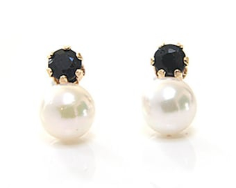 Solid 9ct Gold Cultured Pearl and Sapphire Stud earrings S522