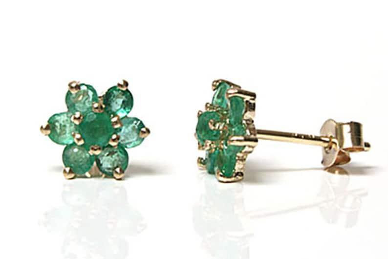 Fine Earrings 9ct White Gold Emerald Heart Stud earrings Gift Boxed