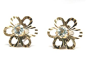 Solid 9ct Gold Blue Topaz stud Earrings Gift Boxed S555