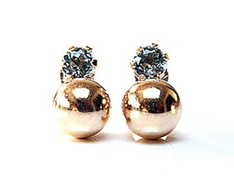 Solid 9ct Gold Blue Topaz and Ball Stud Earrings S653