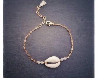 """Farah"" cowrie shell bracelet"