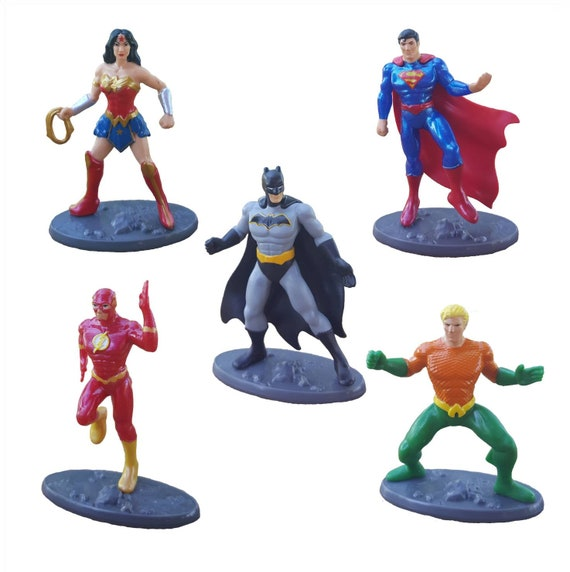 DC Cupcake Toppers - Cake Toppers - Superman - Batman - Wonder Woman - Flash - Aquaman - Super Hero Cake Toppers
