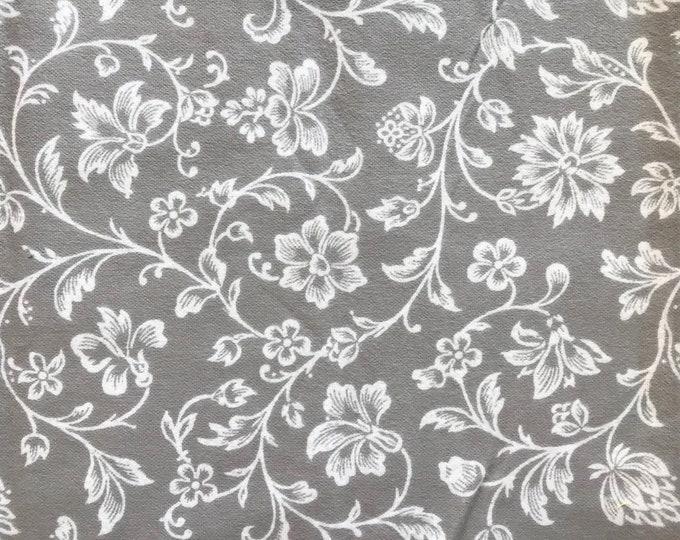 XXS-XXL White Flowers and Vines on Gray Bandana