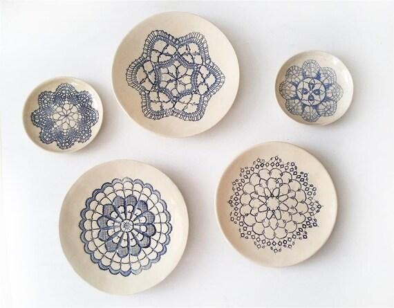 Wandteller installation kunst keramik 3 keramik teller wand etsy - Wandteller modern ...