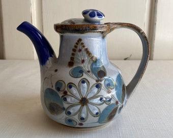 Tea Pot KEN EDWARDSMEXICANBlueMint ConditionFishAll SidesBlueBrownTonala Mexican Pottery