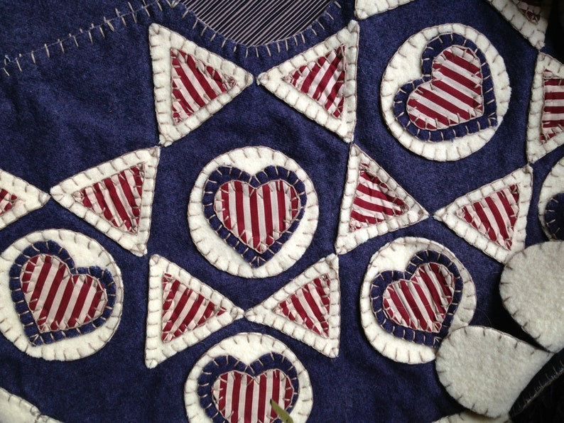 44 Diameter Americana HANDMADE Appliqu\u00e9 Triangles /& Hearts Wool? Red White Blue Patriotic America USA July 4 Christmas Tree Skirt