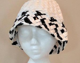Vintage RAIN HAT   Black and White Plastic Weave   bc458da2f5d