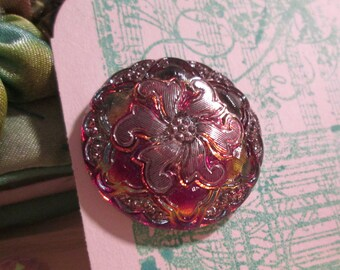 flower botanical floral ruby red gold Edwardian glass vintage button Czech red ruby
