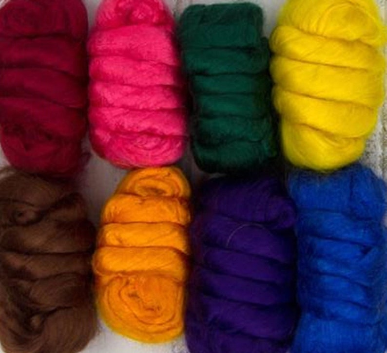 8 Color Assortment Bamboo Combed TopRoving 200 grams
