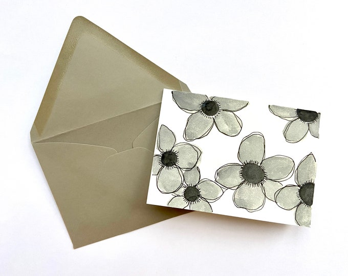 Set of 5 cards - grey flowers